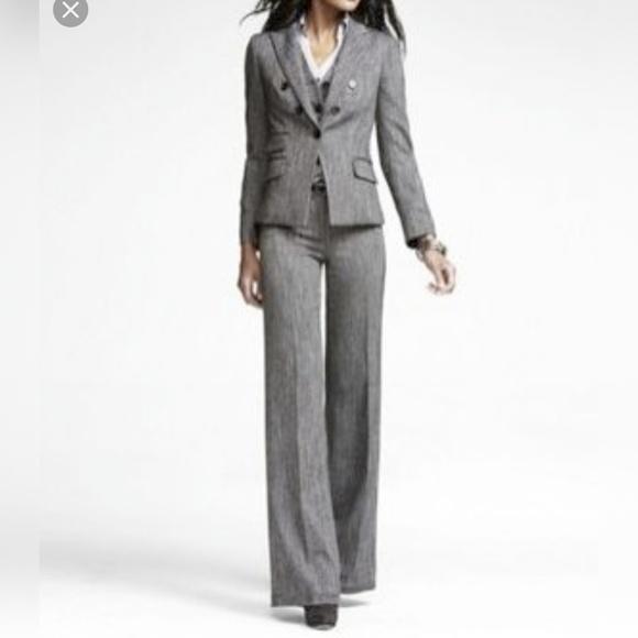 Express Dresses & Skirts - Express Suit